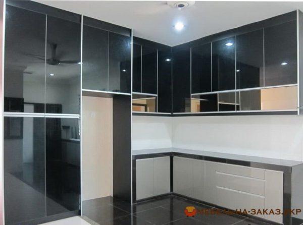 бело черная кухня глянец