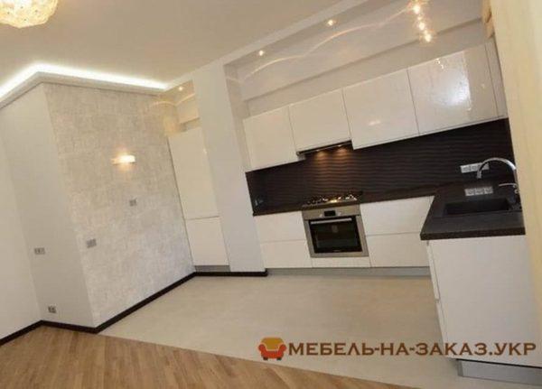 большая кухня на заказ в Киеве