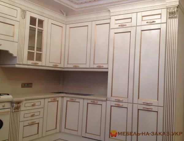 белая кухня с массива дерева под заказ