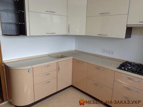 бело бежевая кухня