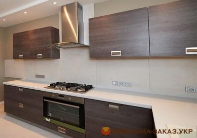 кухня с эконом фасадами