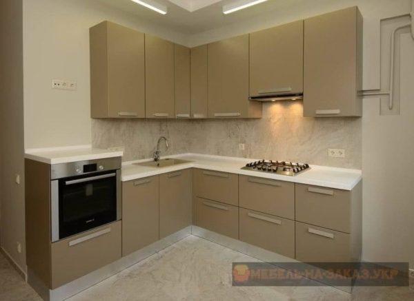 кухня оливкого цвета