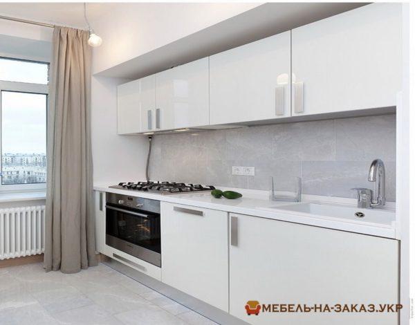 белая красивая кухня 2 метра
