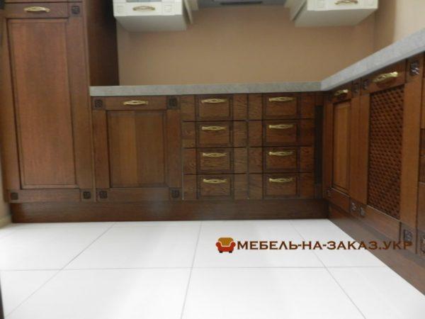 кухонные секции из дерева камень