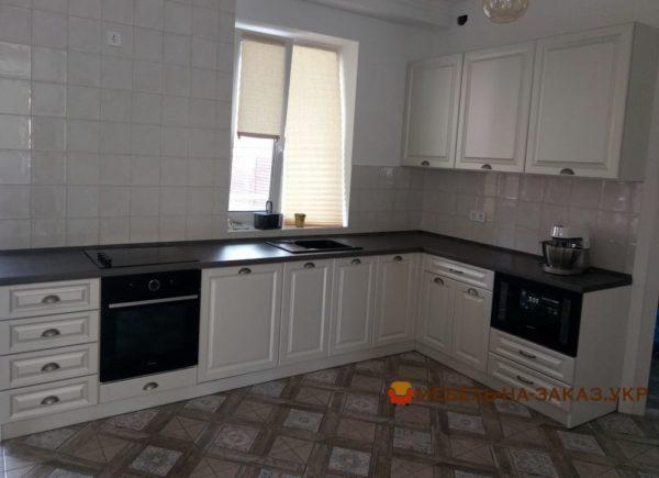 фотографии кухонной заказной мебели