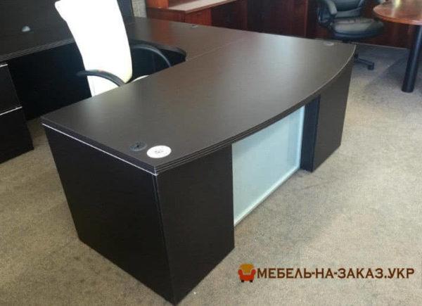 радиуный стол в офис