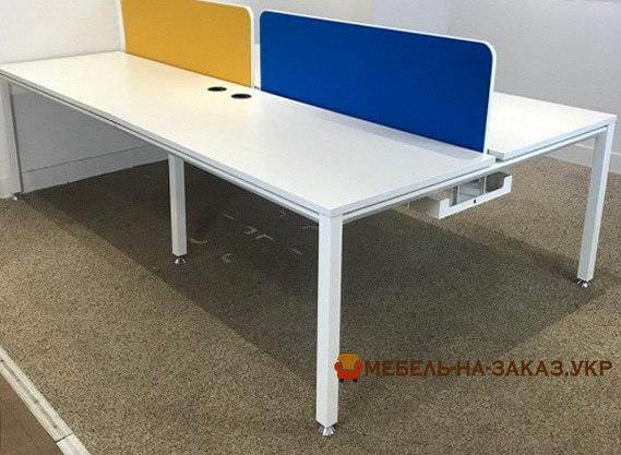 выбрать мебель для офиса под заказ с цветными перегородками
