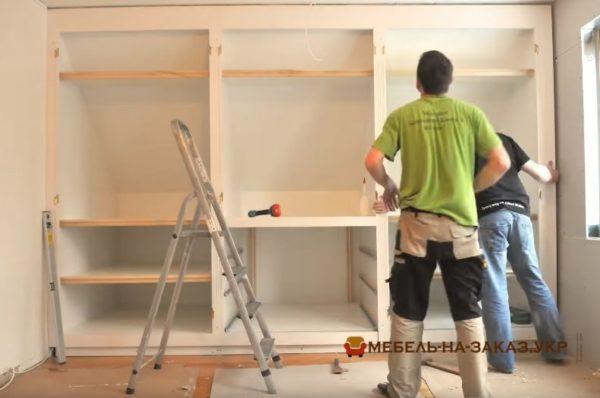 монтаж мебельной стелки