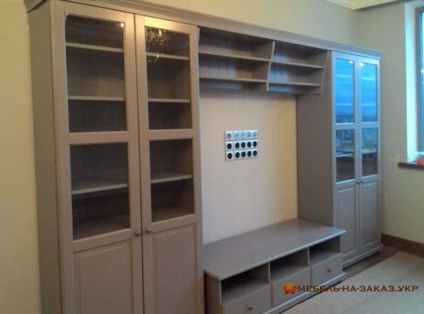 Авторский шкаф для телевизора для спальни