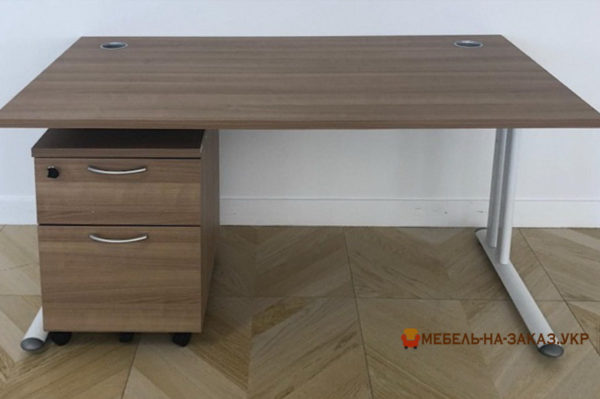 изготовление офисной мебели на заказ на метало базе Киев