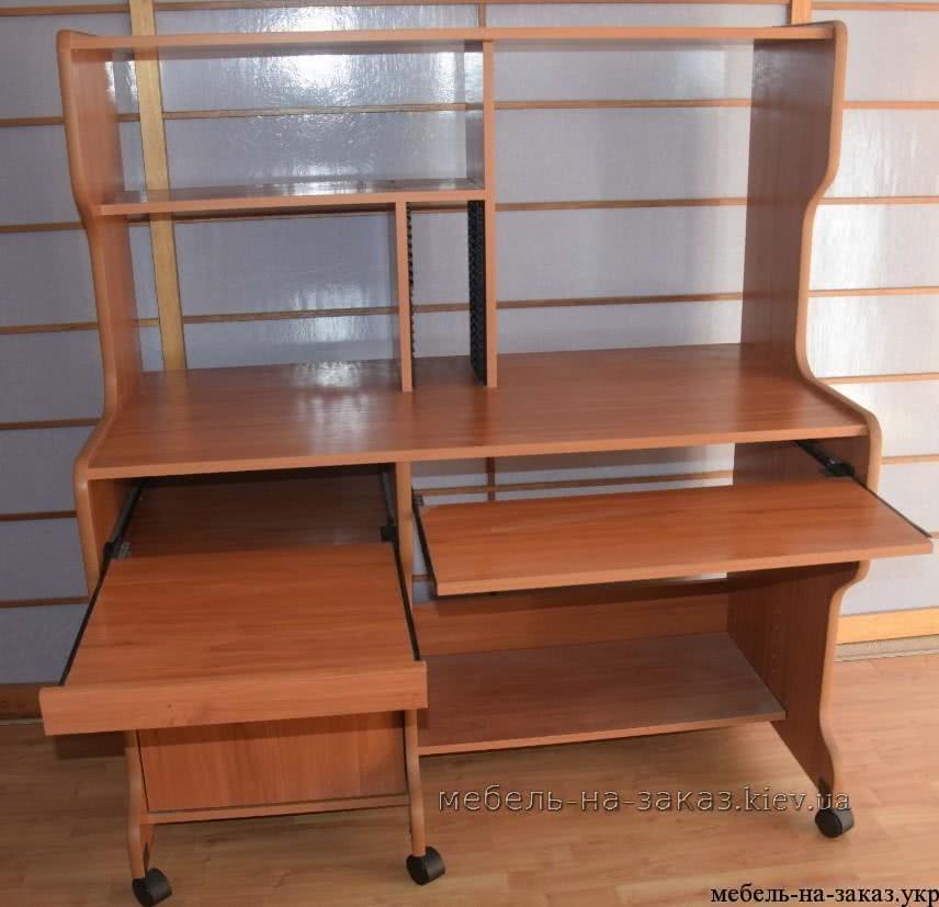 стол с надстройкой и выдвижной полкой для клавиатуры
