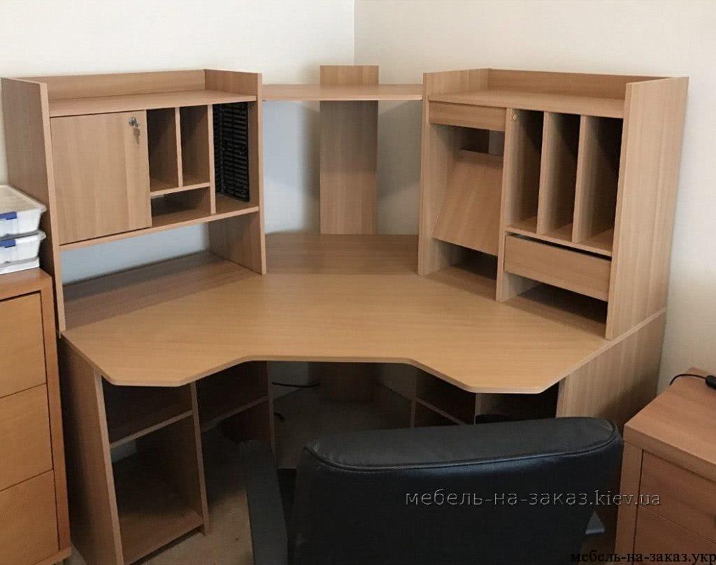 большой стол для менеджера