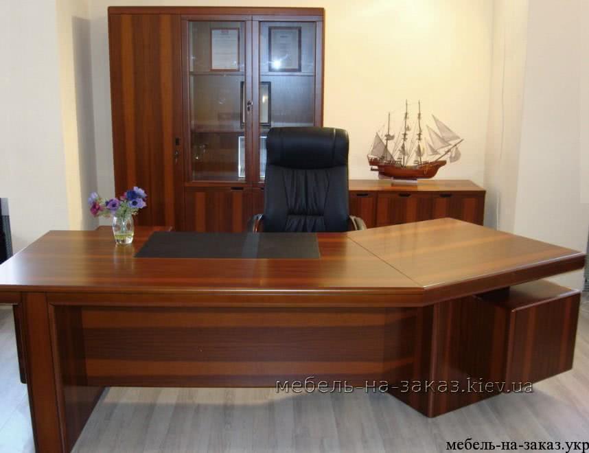 деревянный стол для руководителя