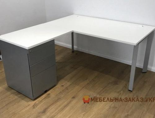заказать изготовление столов в офис