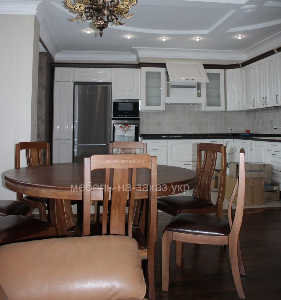 кухонный стол из дерева