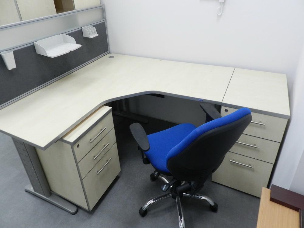 угловой офисный стол на заказ Киев