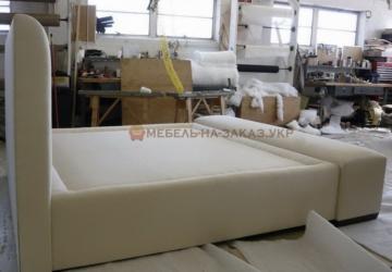 белая кровать в Киеве