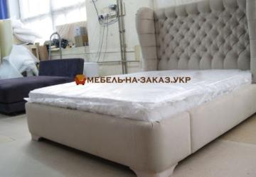 кровать с мягким изголовьем под заказ в Киеве