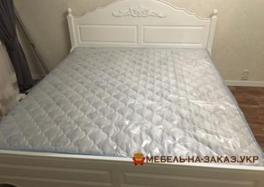 авторская кровать из дуба