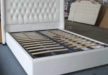 классичесая кровать