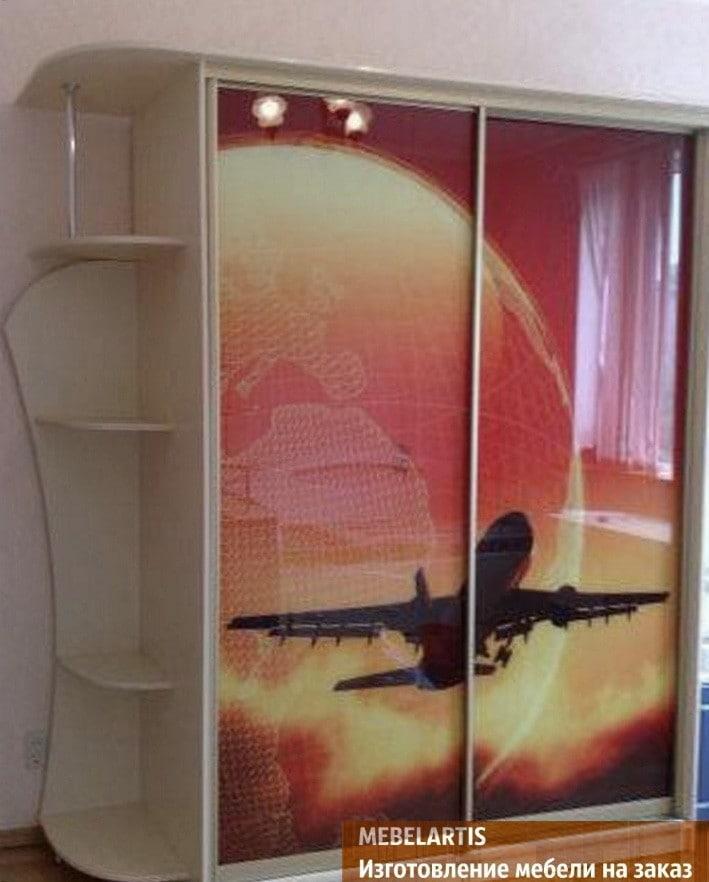 шкаф с изображением самолета