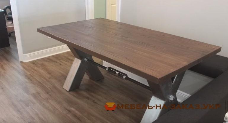 стол в стиле лофт на метало каркасе