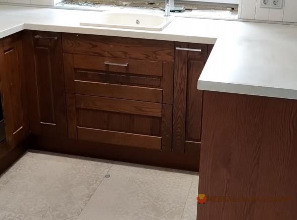 деревянная п образная кухня