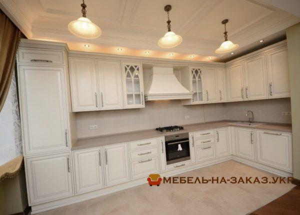 угловая кухня на заказ в Классическом стиле