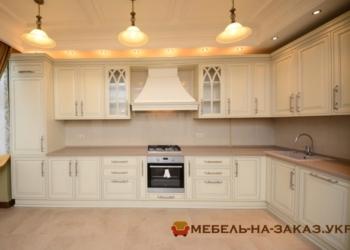 угловая кухня на заказ в Классическом стиле Нивки