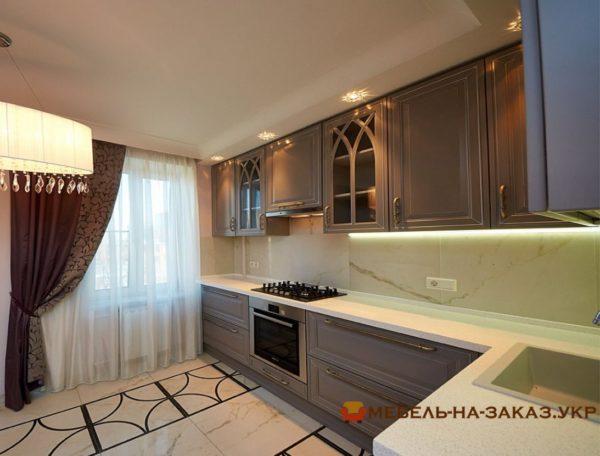 угловая кухня в стиле минимализм с подсветкой