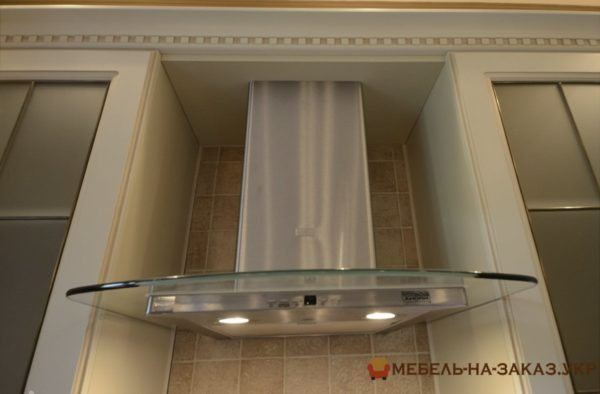 потолочная стеклянная кухня
