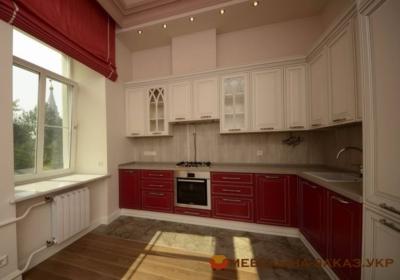 бело-красная угловая кухня