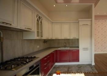 заказная красная кухонная мебель