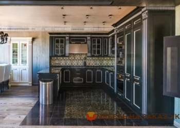 шикарная угловая кухня черного цвета