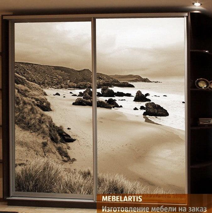 изображение моря на шкафе купе