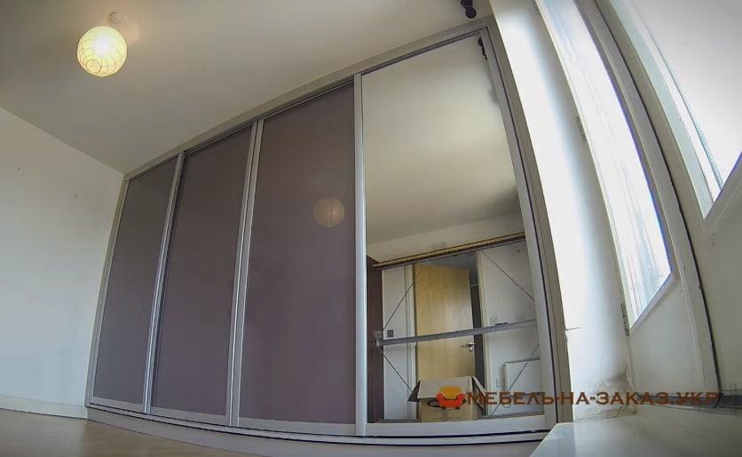 нестандартный шкаф купе в спальню