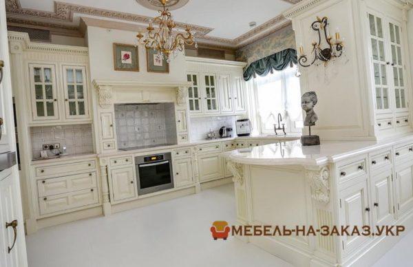 белая кухня угловая с островом
