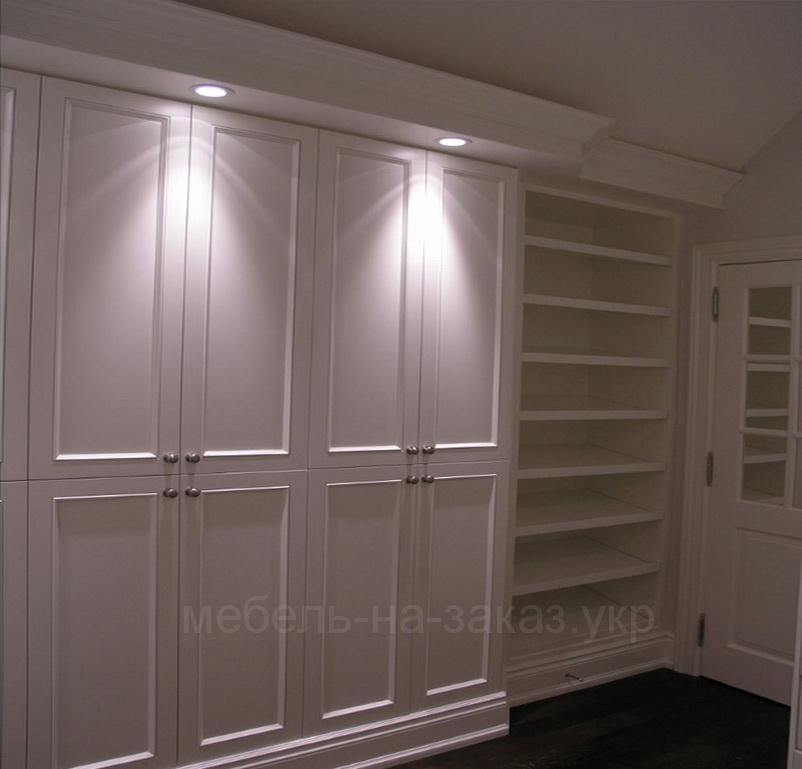 мебел в гардероб