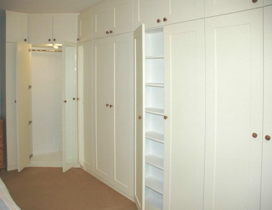 элитный угловой шкаф в спальню