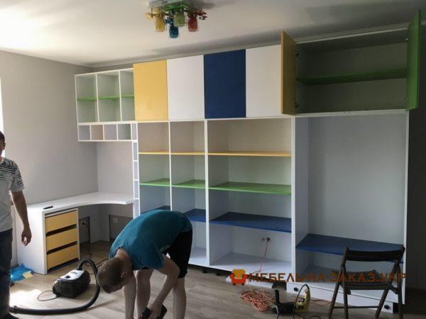разноцветная мебель в гостиную на заказ