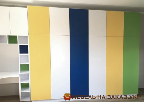 разноцветная мебель в гостиную под заказ Киев