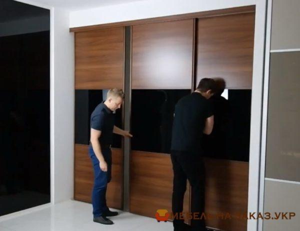 шкаф с накладными дверями