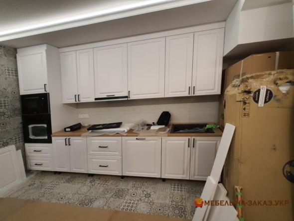 изготовление и установка прямой кухни