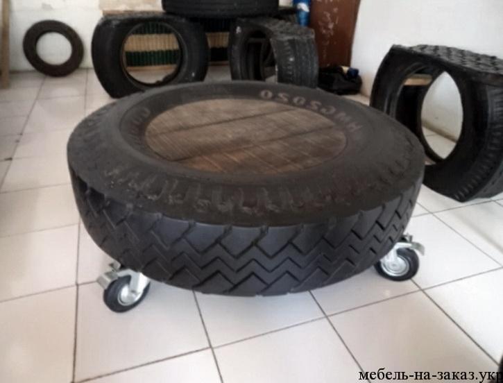 столик из автомобильной шины