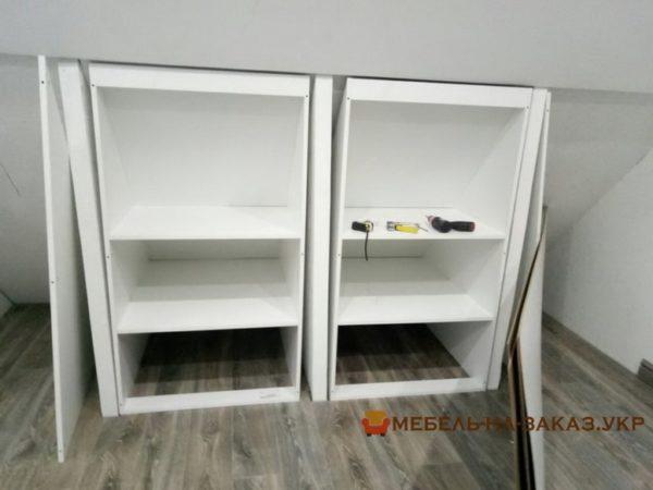 изготовление шкафа в мансарду под заказ