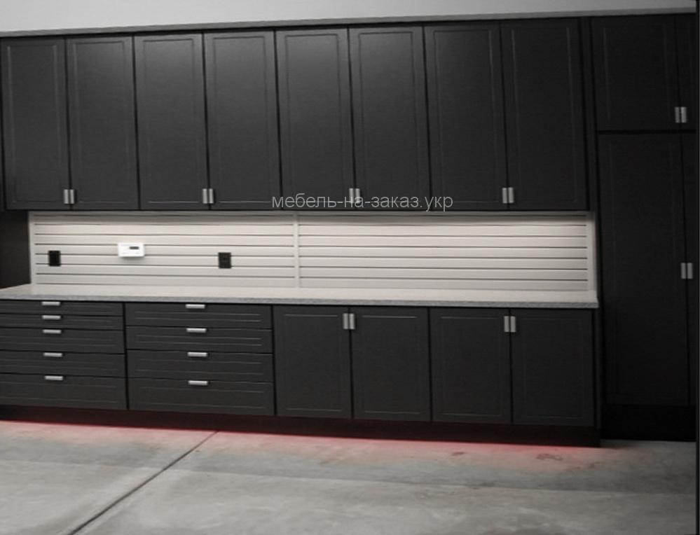 черный шкаф для гаража