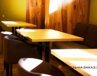 квадратные столы по заказ из дерева