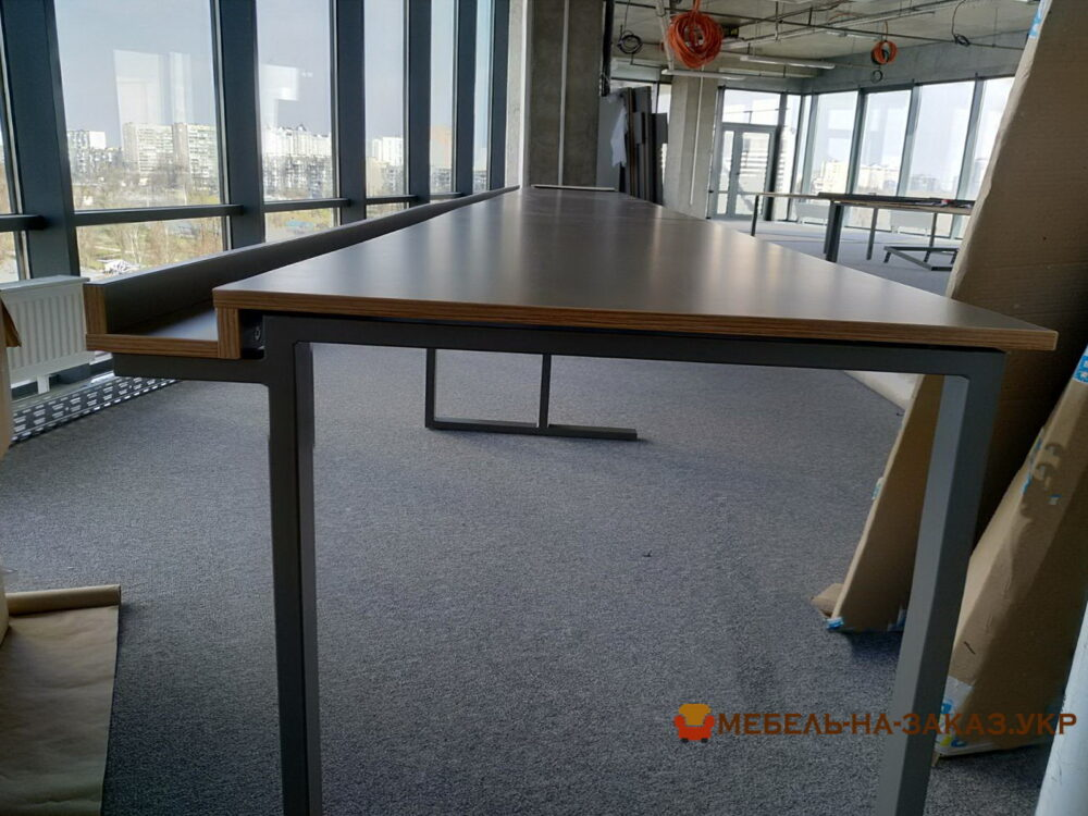 установка конференц стола в Киеве
