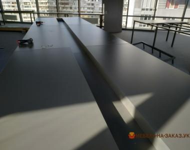 офисная мебель в стиле лофт в переговорную на заказ