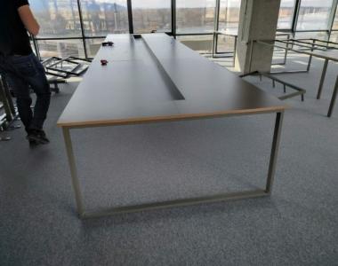 офисная мебель в стиле лофт в переговорную